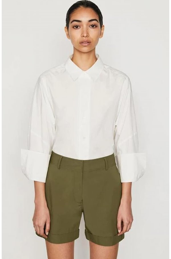 the oversized shirt in blanc