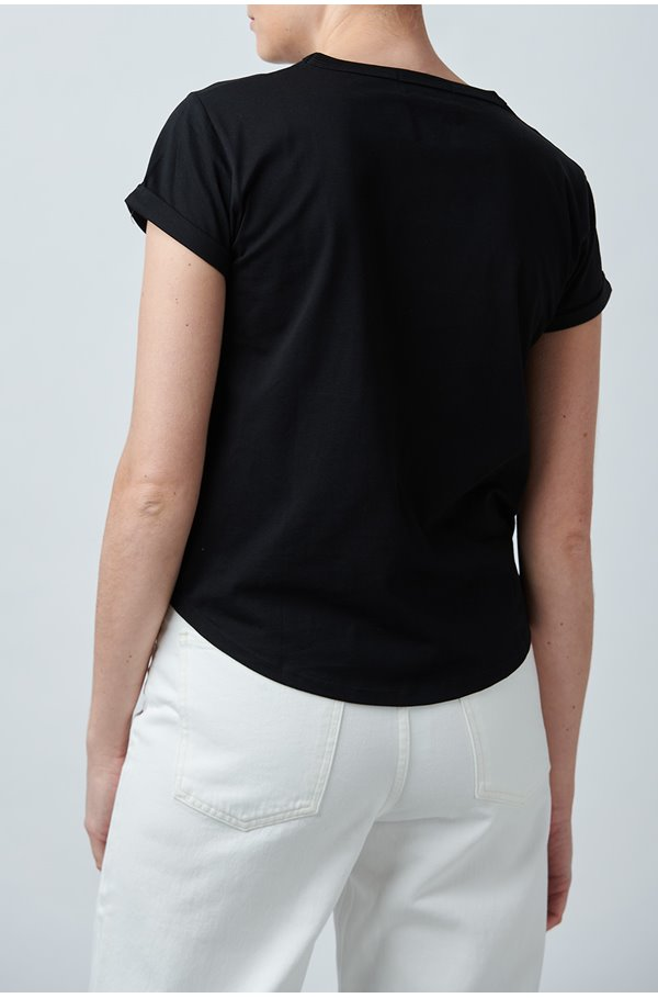 amour short sleeve tee in black