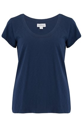 katie scoop neck tee in boa