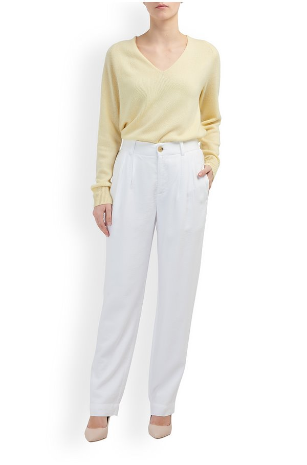 pleat front tapered trousers in white