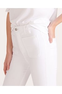 carly flared jean in white