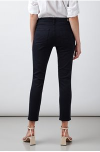 prima cropped jean in navy sateen