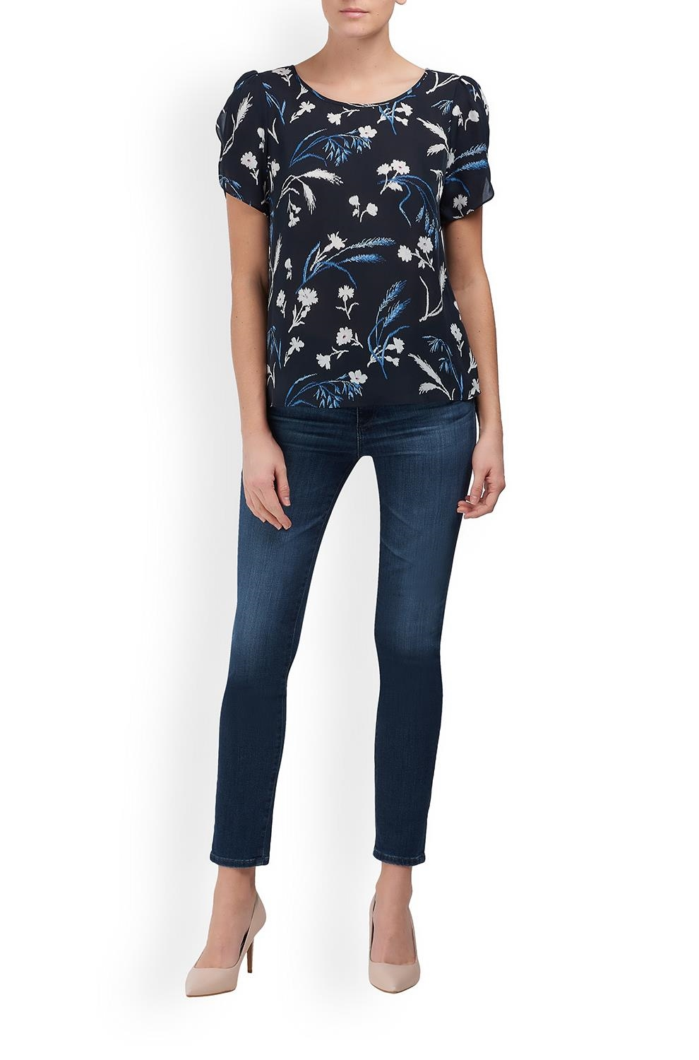 aa85a4fc2b6f33 Joie. Wira Floral Print Top in Midnight. Was£195.00Now£75.00. 1 / 4